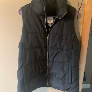 Black Old Navy Puffer Vest-Lg